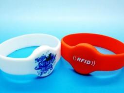 Электронный браслет с индивидуальным дизайном